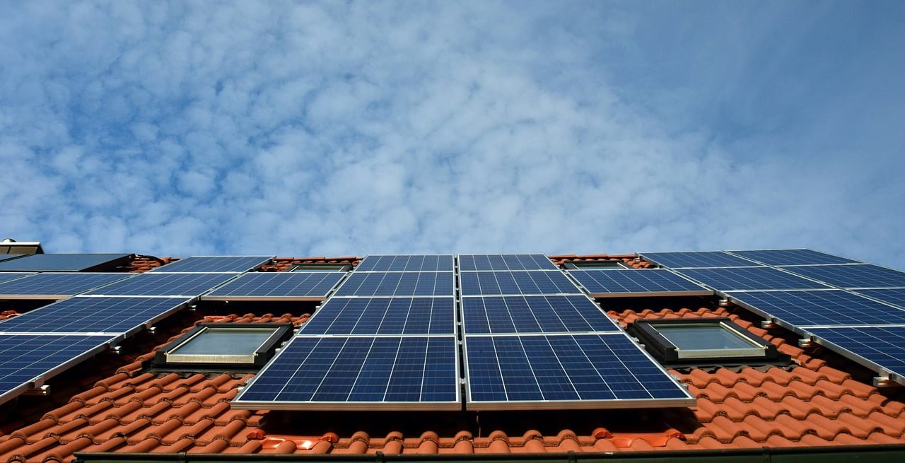 Why use Solar Power – Practical Pros and Cons